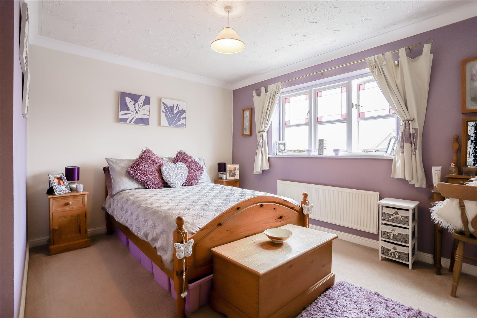 3 Bedroom Detached House For Sale - 5.jpg